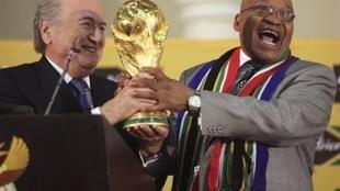 El presidente de la FIFA Joshep Blatte en un acto de la pasada Copa del Mundo de Sudáfrica.