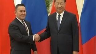 中国国家主席习近平2020年2月27日于北京人民大会堂会见蒙古国总统哈勒特马·巴特图勒嘎