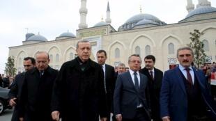 رجب طیب اردوغان بعد از نماز جمعه در استانبول