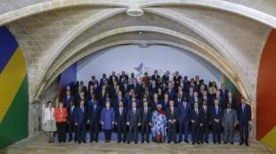 Foto de grupo dos líderes africanos e da UE que participam da Cúpula sobre Migração em Valletta, Malta, 11 de novembro de 2015.
