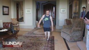 Une télévision australienne a diffusé les images d'une reconstitution vidéo de la nuit du meurtre. Pistorius y joue son propre rôle.