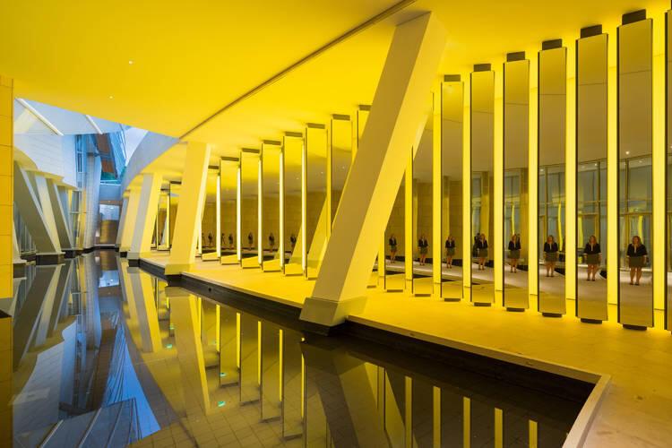 Inside The Horizon, oeuvre de l'artiste islando-danois Olafur Eliasson pour la Fondation Louis Vuitton à Paris.