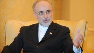 O ministro das Relações Exteriores do Irã, Ali Akbar Salehi, durante entrevista coletiva em Abu Dhabi, no dia 9 de julho.