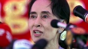 Đảng đối lập của bà Aung San Suu Kyi được dự báo sẽ thắng cử trong cuộc bầu cử ngày 08/11/2015.