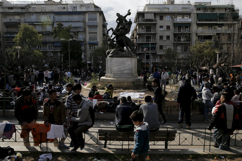 2016年3月,希臘首都維多利亞廣場上集聚的難民和移民。