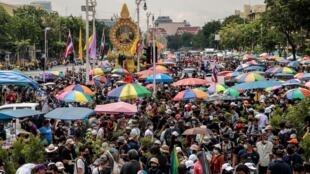 Biểu tình trước Tượng Đài Dân Chủ tại Bangkok chống chính phủ. Ảnh ngày 14/10/2020.