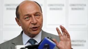 O futuro do presidente romeno, Traian Basescu, é decidido em um referendo neste domingo.