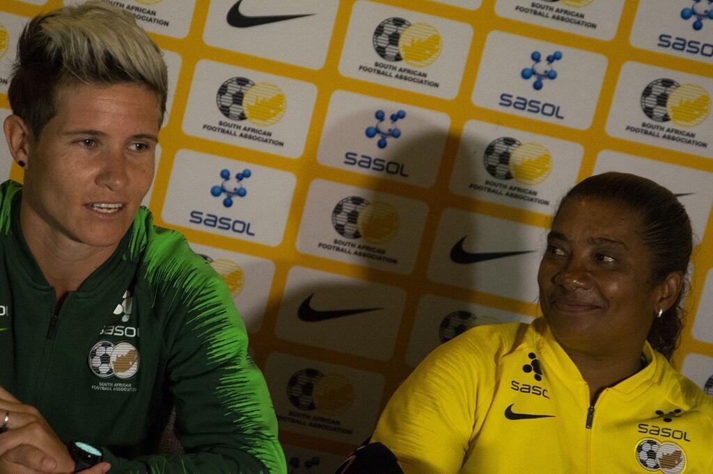La capitaine des Banyana Banyana, Janine Van Wyk, à gauche, et la coach Desiree Ellis, à Durban, le 6 avril 2019.
