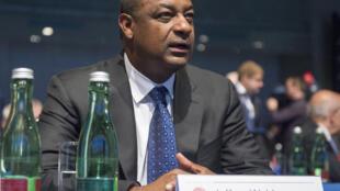 Jeffrey Webb, le 24 mars 2015 au congrès de l'UEFA à Vienne. Il était alors président de la CONCACAF et vice-président de la Fifa.