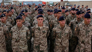nato-planning-rapid-deployment-force-of-10_000-troops-to-counter-russia.si