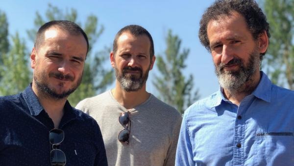 Jon Garaño, Aitor Arregi, Jose Mari Goenaga signent tous les trois ce dernier long-métrage mais ils travaillent ensemble depuis plusieurs années en interchangeant leurs rôles. Leur 1er film collectif fut le documentaire Lucio (2007) sur Lucio Urtubia.
