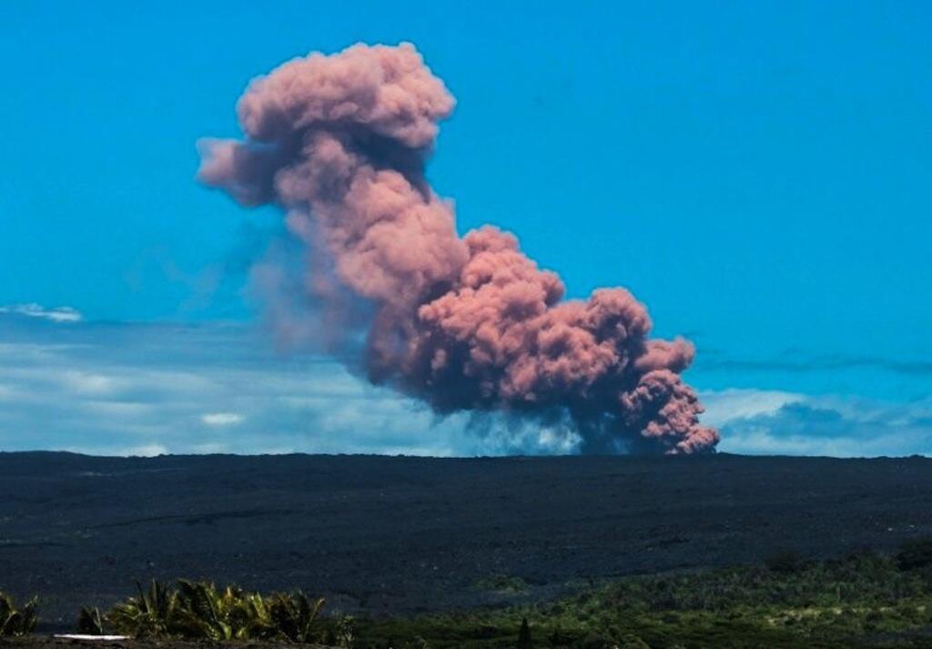 O vulcão Kilauea entrou em erupção na quinta-feira, 3 de maio de 2018.