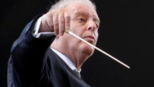 El director de orquesta Daniel Barenboim al frente de la Orquesta del Diván en Buenos Aires, el 21 de agosto de 2010.