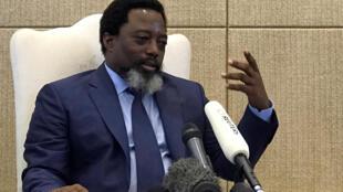 Le président de la République démocratique du Congo, Joseph Kabila, s'exprimant lors d'une interview au Palais de la Nation à Kinshasa, en RDC, le 9 décembre 2018.