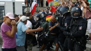 2020-08-29T173438Z_495172077_RC2TNI9C4259_RTRMADP_3_HEALTH-CORONAVIRUS-GERMANY-PROTEST