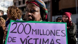 Manifestation contre les mutilations sexuelles féminines à Madrid, le 3 février: 200 millions de victimes dans le monde.