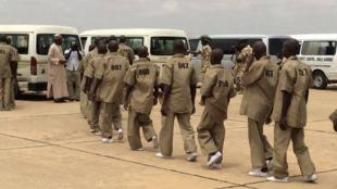 Wasu tsoffin mayakan Boko Haram da aka sallama a can baya bayan sun tuba.