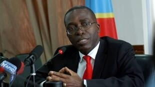 Le nouveau Premier ministre de RDC Augustin Matata Ponyo s'adressant à la presse à Kinshasa, le 19 avril 2012 au lendemain de sa nomination.