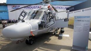 Un hélicoptère AS.565 «Panther» d'Eurocopter, présenté au salon Aero India 2013, à Bangalore, le 7 février 2013.