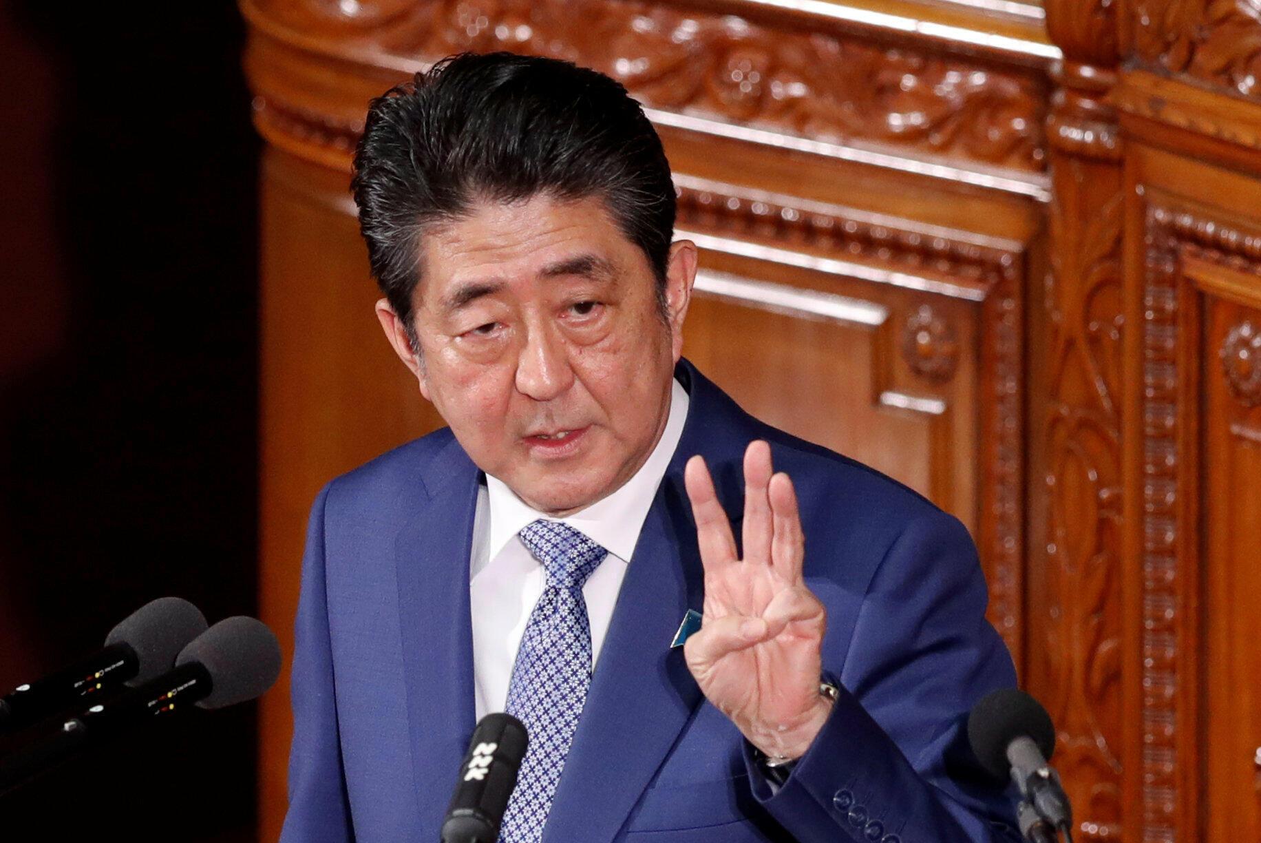 日本首相安倍晉三2018年1月22日在國會發言。