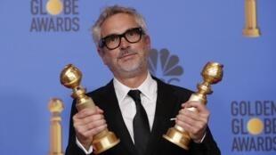 Ông Alfonso Cuaron nhận giải Golden Globe cho đạo diễn xuất sắc nhất, California, 6/1/2019.