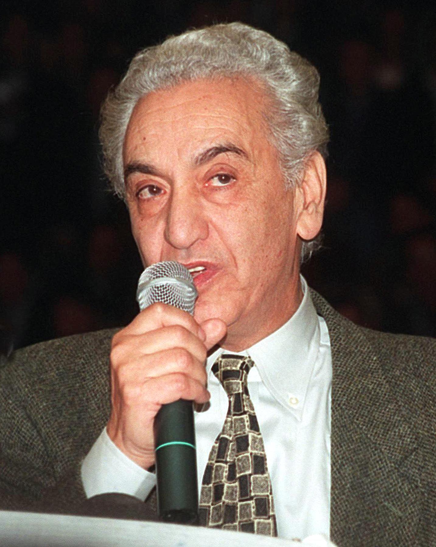 Hocine Aït Ahmed en 1999.