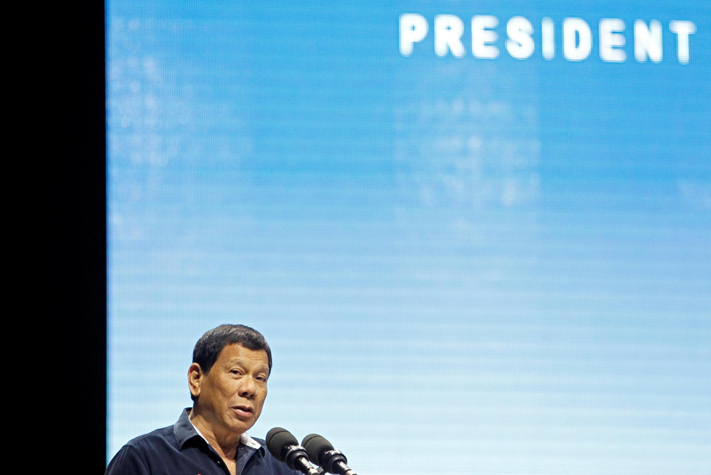 圖為菲律賓總統杜特爾特2018年4月28日在新加坡東盟峰會外對菲僑講話