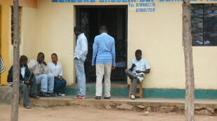 Un commerçant du quartier Nyamirambo de Kigali au Rwanda.