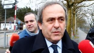 Michel Platini, a shelkwatar FIFA  dake Zurich a Switzerland