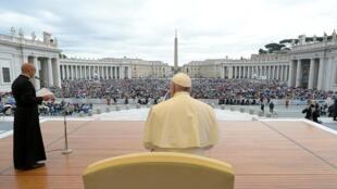 Le pape François a tenu l'audience générale hebdomadaire au Vatican, le 15 mai 2019.