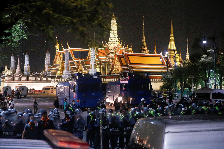 2020-11-08T132152Z_647744017_RC21ZJ93JETL_RTRMADP_3_THAILAND-PROTESTS