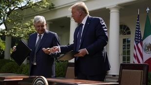 Le président mexicain Andres Manuel Lopez Obrador (AMLO), aux côtés de son homologue américain Donald Trump, le 8 juillet 2020 à Washington.
