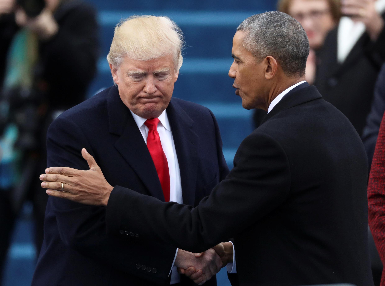 Barack Obama và Donald Trump (T) trong ngày chuyển giao quyền lực 20/01/2017.