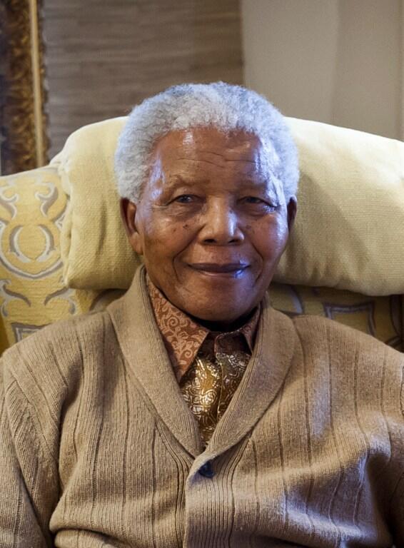 Rais wa zamani wa Afrika Kusini Nelson Mandela