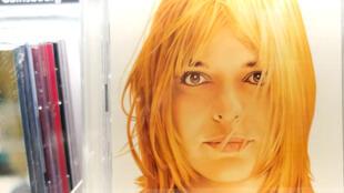 Nhiều album của France Gall được tái bản, trong đó có tuyển tập ăn khách năm 2004
