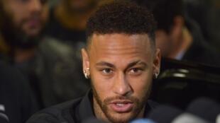 Le Parisien analisa o possível retorno de Neymar ao Barça