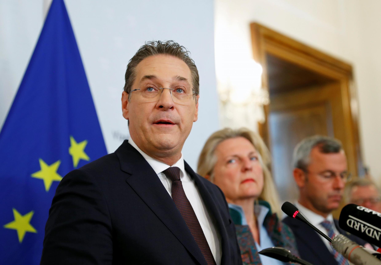 Le vice-chancelier autrichien, Heinz-Christian Strache (FPÖ), annonce sa démission du gouvernement à la presse. Vienne, ce samedi 18 mai 2019.