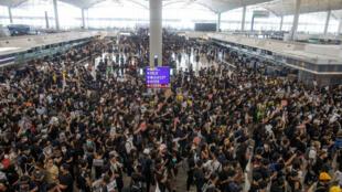 Biểu tình tại Sân Bay Quốc tế Hồng Kông, ngày 12/08/2019.