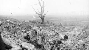 Soldados en las trincheras, cerca de Vacherauville, en Verdún, en diciembre de 1916.