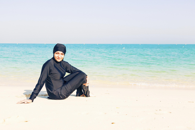 Une femme en burkini.