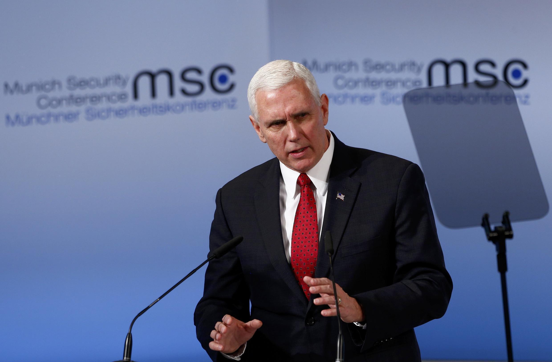 Mike Pence, vice-presidente dos Estados Unidos, na Conferência sobre a segurança em Munique, 18 fevereiro 2017.