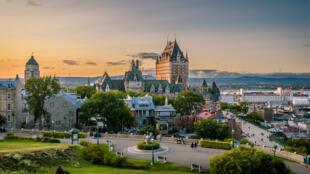 Québec et ses alentours (photo) vivent un drôle de paradoxe depuis quelques années. Le désir de croissance des entreprises dans cette région prospère se heurte à un manque de main-d'œuvre qualifiée.