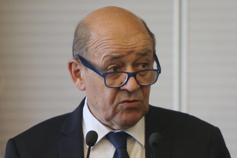 Главе МИД Франции Жан-Иву ЛеДриану повезло меньше всех—он должен являться насовет безопасности почти каждый четверг