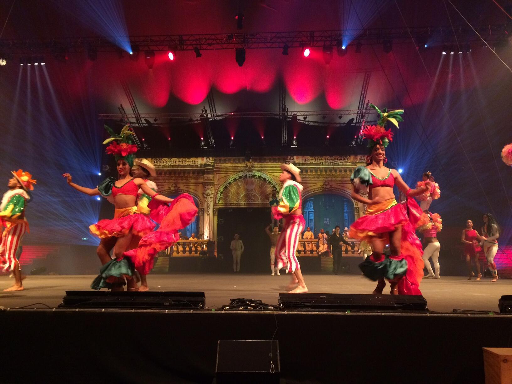El Carnaval cubano en el espectáculo Cirkacuba.