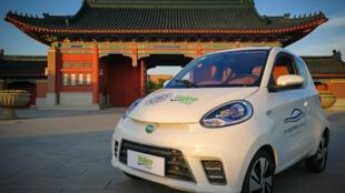La voiture électrique chinoise Zhidou équipé de batterie et moteur en 48 volts.