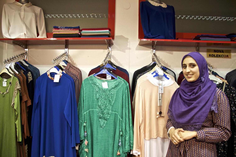 Medina, vendeuse à la boutique Gulum de Sarajevo.