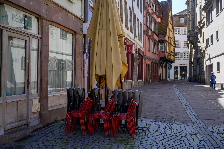 Les cafés et les bars, toujours fermés, vont continuer à peiner sur le plan économique.
