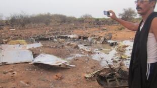 Imagem do local onde caiu o voo da Air Argélia, na localidade de Gossi, perto da fronteira do Mali com Burkina Fasso.
