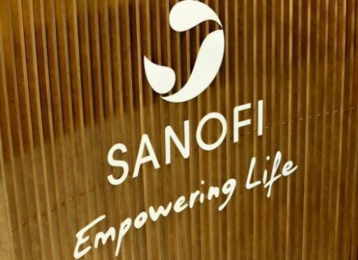 Hãng Sanofi sẵn sàng cung cấp cho Pháp thuốc đặc trị cho 300.000 bệnh nhân virus corona