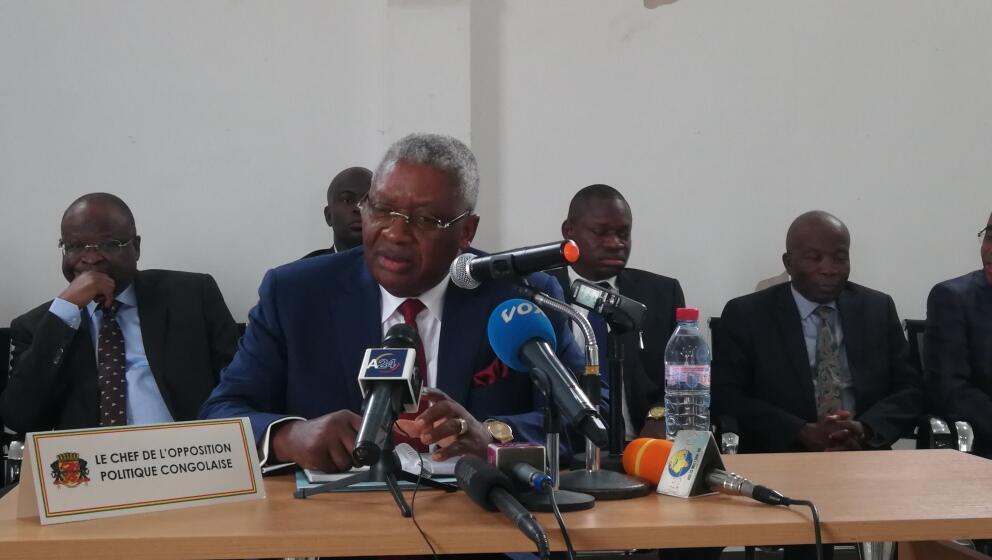 Pascal Tstaty Mabiala, leader de l'opposition congolaise, lors d'une conférence de presse, le 28 août à Brazzaville.